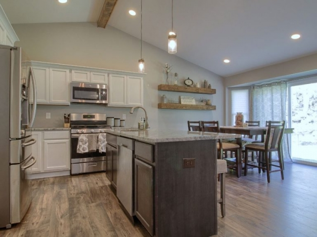 Kitchen and dinning room.
